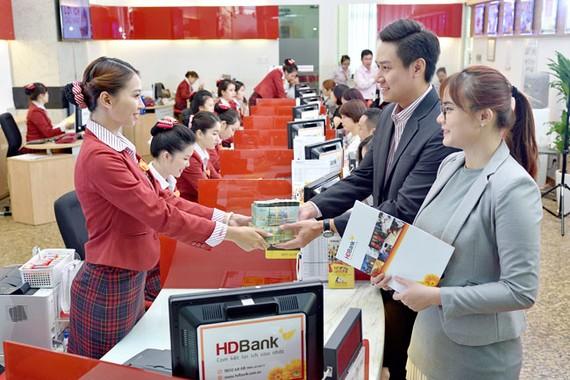 HDBank dành 5.000 tỷ đồng tài trợ chuỗi kinh doanh xăng dầu Petrolimex/PVOIL