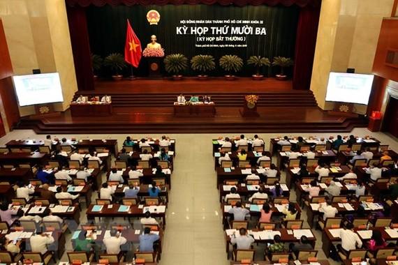 Quang cảnh kỳ họp lần thứ 13 (kỳ họp bất thường) Hội đồng Nhân dân Thành phố Hồ Chí Minh khoá IX, nhiệm kỳ 2016-2021. (Ảnh: Thanh Vũ/TTXVN)