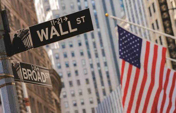 Báo cáo lợi nhuận các công ty đẩy chứng khoán Mỹ đảo chiều đi lên