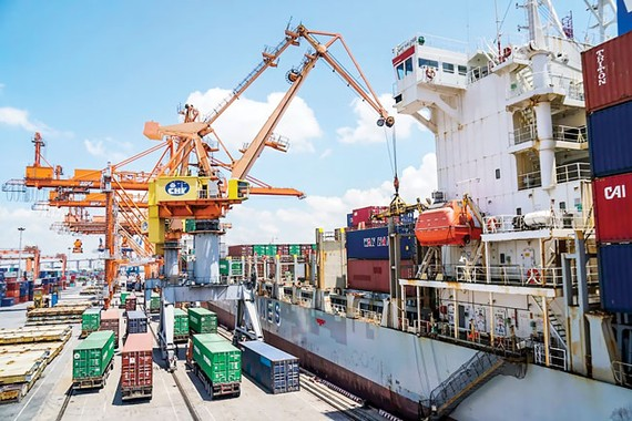 Compared to other countries, export of Vietnam in Q1 was positive. Photo: VIET CHUNG