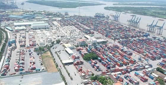 TPHCM là trung tâm logictics của vùng kinh tế trọng điểm phía Nam. Ảnh: CAO THĂNG