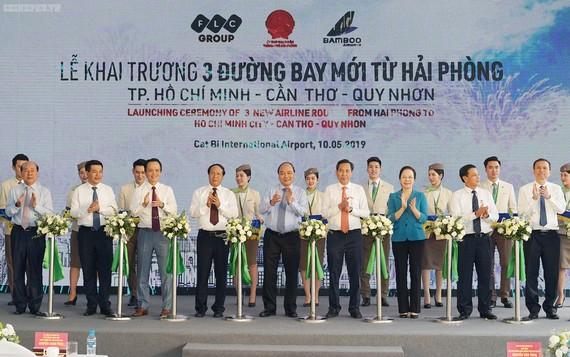 Thủ tướng dự lễ khai trương 3 đường bay mới từ Hải Phòng. Ảnh: VGP/Quang Hiếu