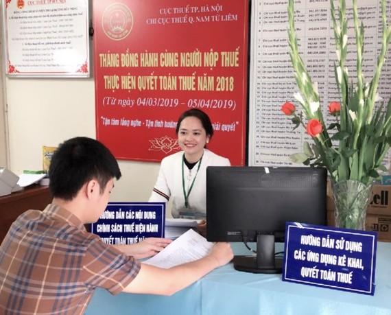 Fitch nâng triển vọng tín nhiệm Việt Nam lên 'tích cực'