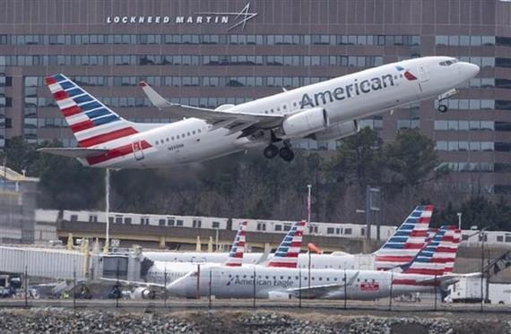 Máy bay Boeing 737 của Hãng hàng không American Airlines cất cánh từ sân bay quốc gia Ronald Reagan ở Arlington, Virginia, Mỹ, ngày 11/3/2019. (Ảnh: AFP/ TTXVN)
