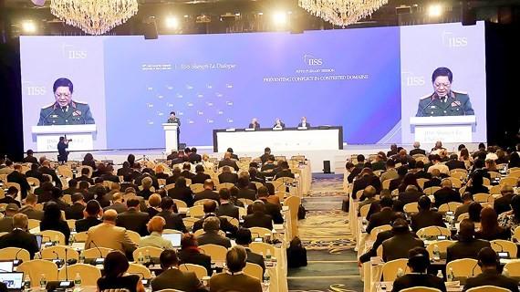 Bộ trưởng Bộ Quốc phòng Việt Nam Ngô Xuân Lịch phát biểu tại phiên thảo luận toàn thể thứ 5. Ảnh: TTXVN