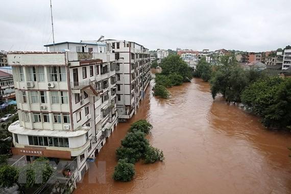 Cảnh ngập lụt tại Neijiang, tỉnh Tứ Xuyên. Ảnh: THX/TTXVN