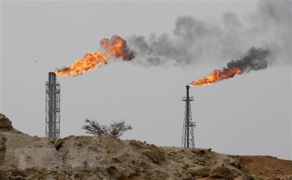 Nhà máy lọc dầu trên đảo Khark, Iran. (Ảnh: AFP/TTXVN)