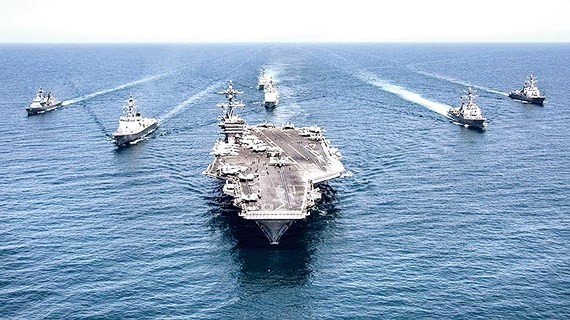 Tàu sân bay USS Abraham Lincoln của Mỹ hoạt động ở Trung Đông. Ảnh: Reuters
