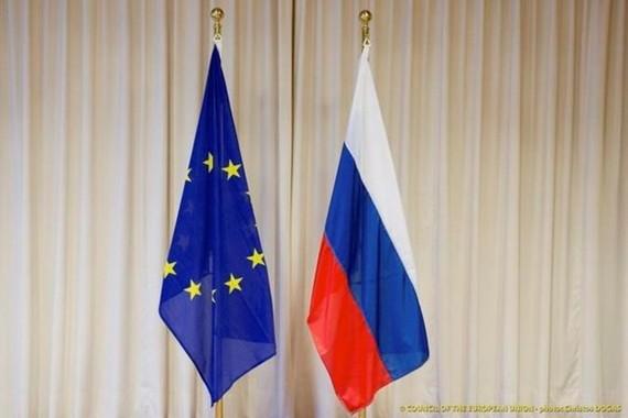 Cờ Nga và EU. (Nguồn: oiceofpeopletoday)