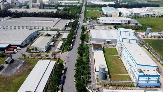 Nhà máy trong Khu công nghiệp Hiệp Phước. Ảnh: CAO THĂNG