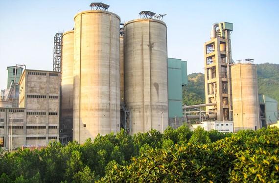 Nhà máy xi măng Quang Sơn ngập trong thua lỗ, nợ nần.