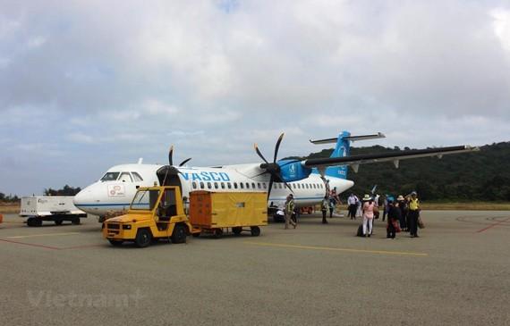 Máy bay ATR72 của hãng hàng không VASCO khai thác đến sân bay Côn Đảo. (Ảnh: Việt Hùng/Vietnam+)