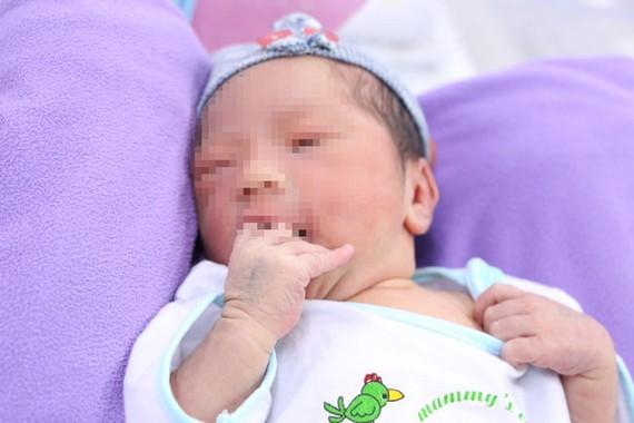 Cháu bé chào đời an toàn, khỏe mạnh.