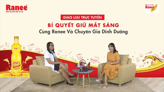 BS Trương Tuyết Mai, Phó Viện trưởng Viện Dinh dưỡng quốc gia - Bộ Y tế chia sẻ cùng với MC Ốc Thanh Vân về bí quyết giữ đôi mắt sáng khỏe mỗi ngày.