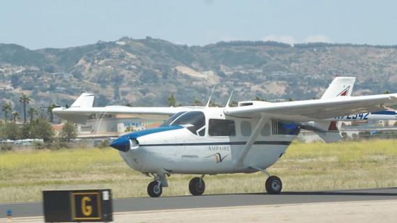 Ampaire thử nghiệm bay thương mại bằng máy bay điện