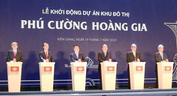 Thủ tướng Nguyễn Xuân Phúc dự khởi động dự án KĐT Phú Cường Hoàng Gia