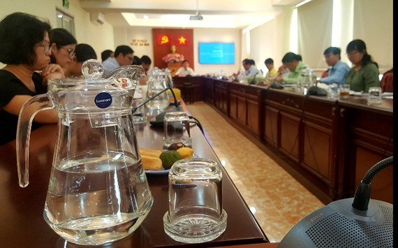 Cơ quan nhà nước ở TPHCM không dùng ly, ống hút nhựa