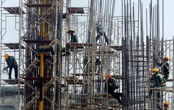 Bộ Xây dựng đề xuất phân cấp cho Ủy ban nhân dân cấp tỉnh cấp giấy phép xây dựng đối với các công trình xây dựng cấp đặc biệt.