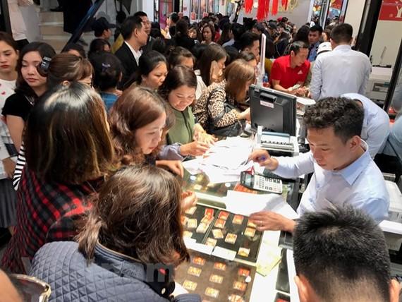 Đảo chiều, giá vàng SJC vượt qua mốc 42 triệu đồng mỗi lượng
