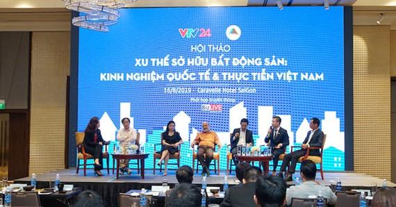 Các diễn giả tham gia hội thảo Xu thế sở hữu bất động sản: Kinh nghiệm quốc tế & Thực tiễn Việt Nam