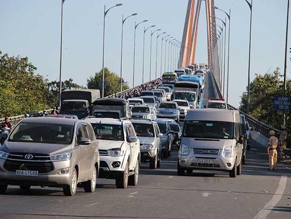 Giải quyết ùn tắc giao thông các quốc lộ miền Tây