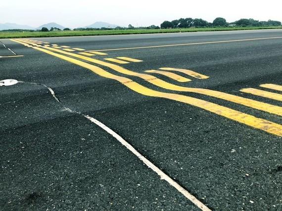 Một đường cất hạ cánh tại sân bay Nội Bài sắp đóng cửa để sửa chữa
