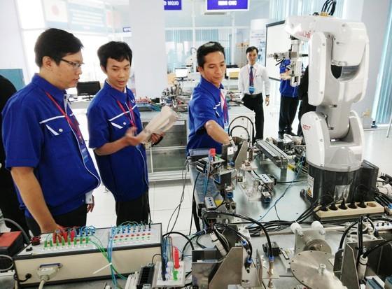 Xưởng thực hành tự động hóa và triển khai dự án của JICA về khảo sát nhu cầu đào tạo công nghệ robot Nhật Bản  tại Trung tâm Đào tạo Khu Công nghệ cao TPHCM