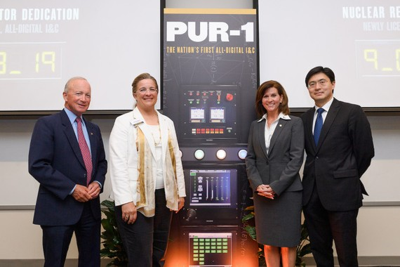 Cuộc gặp gỡ giữa lãnh đạo trường Purdue, Ủy ban điều tiết hạt nhân và Bộ năng lượng của Mỹ. Nguồn: Đại học Purdue
