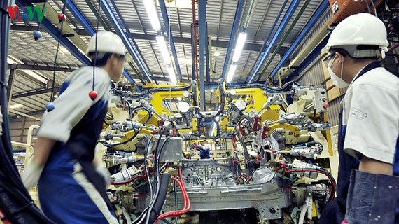 Tỷ lệ hàm lượng giá trị gia tăng trên một sản phẩm sản xuất tại Việt Nam có nguyên liệu nhập khẩu đang khiến nhiều doanh nghiệp băn khoăn.