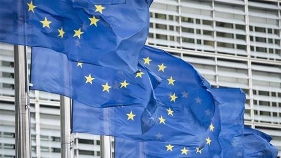 EU loại Thụy Sĩ, UAE ra khỏi danh sách các thiên đường trốn thuế