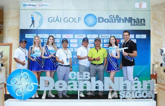 300 doanh nhân tham dự giải golf chào mừng Ngày Doanh nhân Việt Nam