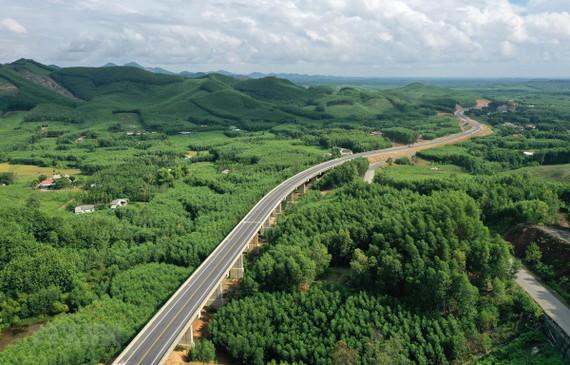 Chính phủ báo cáo Quốc hội tiến độ cao tốc Bắc-Nam phía Đông
