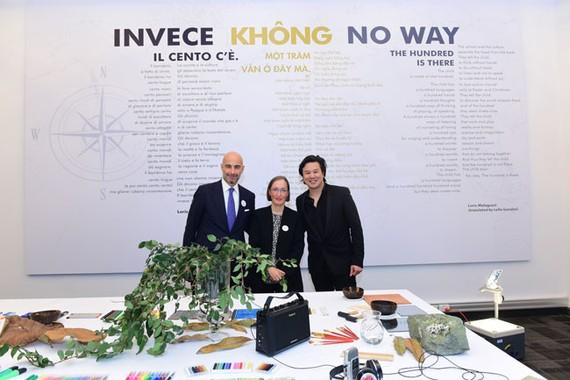 Ông Dante Brandi, Tổng lãnh sự Italia, Tiến sĩ Claudia Giudici Chủ tịch Reggio Children và ông Thanh Bùi nhà sáng lập Embassy Education