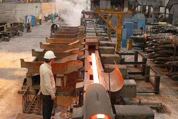 Dây chuyền cán thép tự động của Nhà máy cán thép Thái Trung, Công ty cổ phần gang thép Thái Nguyên. (Ảnh: Hoàng Nguyên/TTXVN)
