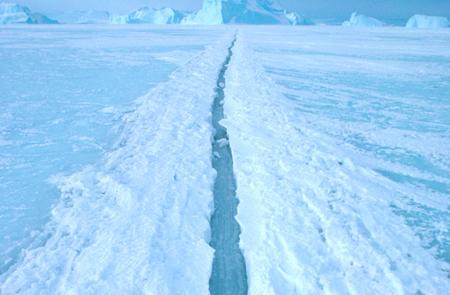Vết nứt của tảng băng ở Nam Cực
