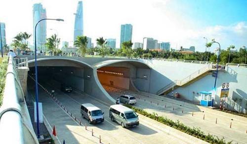 Cấm xe lưu thông qua hầm sông Sài Gòn trong 2 ngày