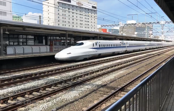 Đường sắt tốc độ cao sẽ đáp ứng tối thiểu 5 - 8% thị phần vận tải hành khách và 5%-6% thị phần vận tải hàng hóa. Ảnh minh hoạ.