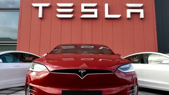 Tesla hồi phục đạt lợi nhuận 143 triệu USD