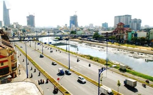 Đường Võ Văn Kiệt, công trình sử dụng vốn ODA, góp phần phát triển kinh tế xã hội TP.HCM - Ảnh: SGGP.