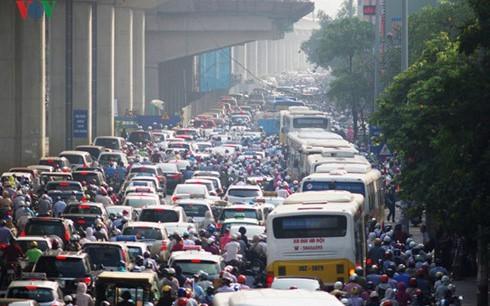 Lãnh đạo Sở GTVT Hà Nội khẳng định, chỉ thu phí ô tô, cấm xe máy khi đảm bảo các điều kiện cần thiết.