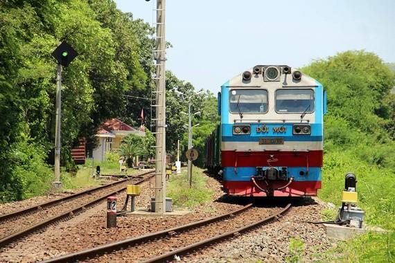 Sớm giao vốn, gỡ thế kẹt cho ngành đường sắt