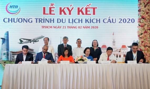 Vietjet thúc đẩy du lịch xanh cùng Hiệp hội Du lịch TPHCM