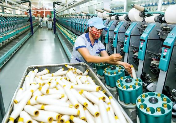 Ngành dệt may đang quá phụ thuộc vào nguồn nguyên phụ liệu từ Trung Quốc.