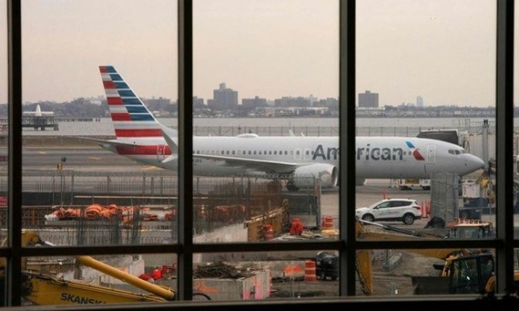 American Airlines bỏ phí đổi chuyến bay trong dịch COVID-19