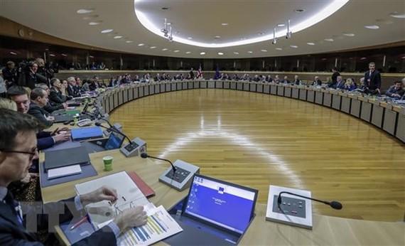 46 nhân viên EU ở nhà theo dõi sức khỏe sau ca nhiễm COVID-19 thứ 2