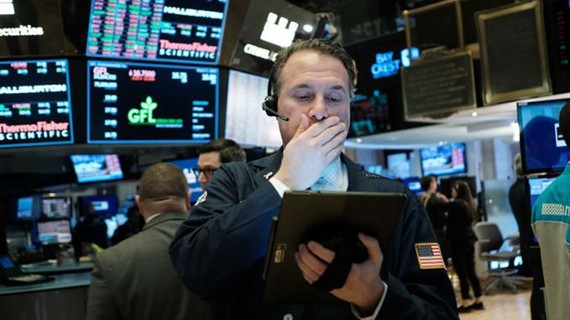 TTCK Mỹ giảm kinh hoàng, dừng giao dịch trong 15 phút