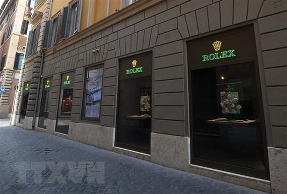 Một cửa hàng tại Rome, Italy, đóng cửa ngày 12/3/2020, trong bối cảnh dịch COVID-19 lan rộng. (Nguồn: THX/TTXVN)