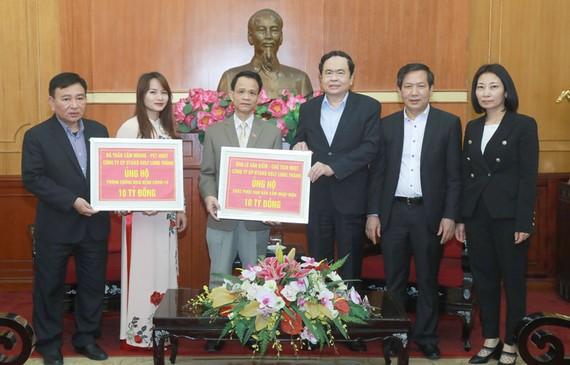 Doanh nhân Lê Văn Kiểm ủng hộ 20 tỷ đồng chống dịch Covid-19 và hạn mặn ĐBSCL
