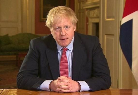 Ông Boris Johnson thông báo tiến hành phong tỏa nước Anh. Ảnh:Reuters.