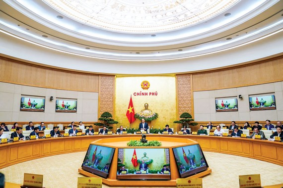 Trong phiên họp Chính phủ thường kỳ tháng 3-2020, Thủ tướng Chính phủ đã chỉ đạo ưu tiên hàng đầu chống dịch Covid-19. Ảnh: VIẾT CHUNG